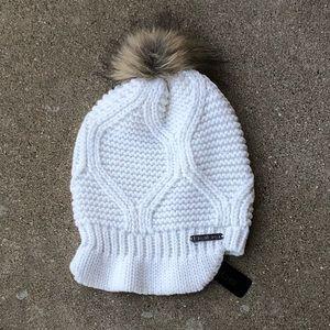 NWT Bebe knit hat with faux fur pom pom